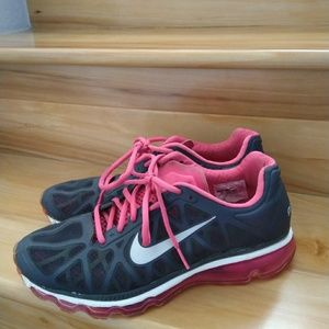 Nike Air Max pink women's shoes size 10